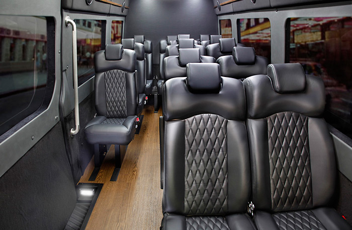 Royale Limousine   Builders of the Finest Limousines on the